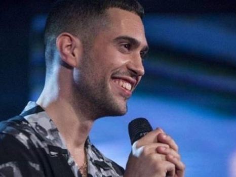 Parte il tour mondiale dei finalisti di Sanremo Giovani, da Einar a Mahmood i protagonisti dei live all'estero