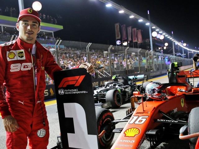 Charles Leclerc non si ferma più: terza pole position consecutiva