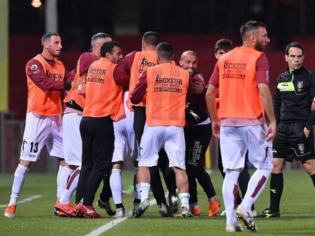 E' il Cittadella la prima finalista del play off: 3-0 a Benevento. Insigne non basta