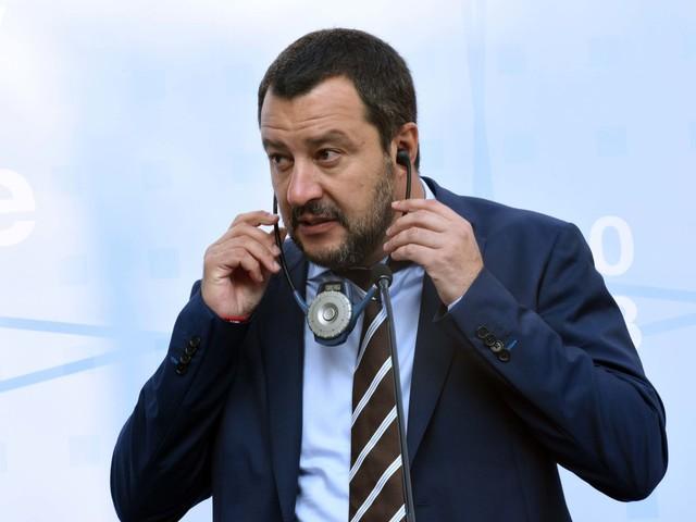 """Salvini: """"Abbassiamo le tasse già nel 2018, poi introdurremo anche il quoziente familiare"""""""