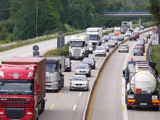 Meteo e traffico in autostrada: incidente sulla A1 MI/BO, nebbia in serata