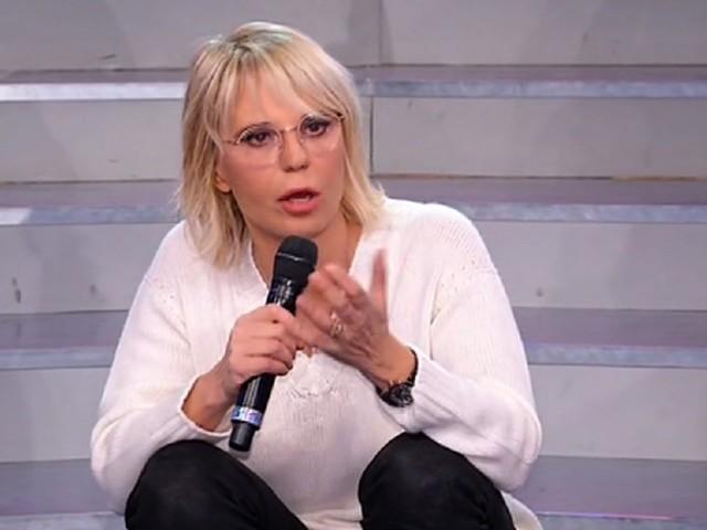 """Uomini e Donne colpo di scena, Maria De Filippi sgomenta: """"È da brividi"""""""