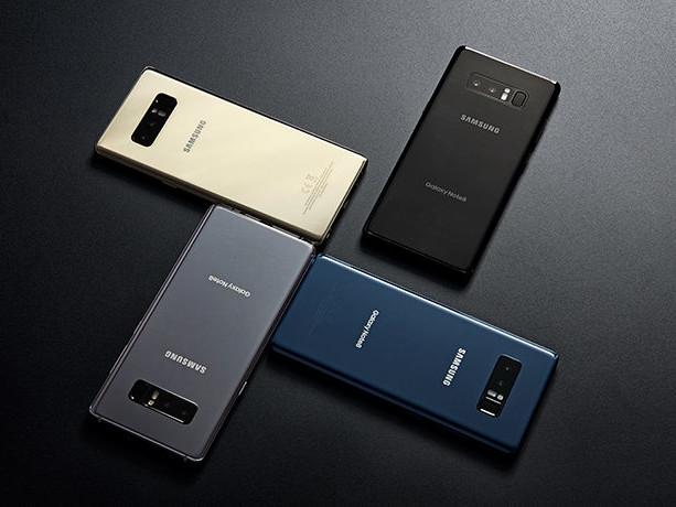 """Presentato il """"dispositivo mobile definitivo"""", è il Note 8 ma ha Android ed è di Samsung!"""