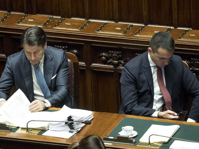 """Ora Di Maio sfida Conte: """"Il Mes cambi o il M5s non lo vota"""""""