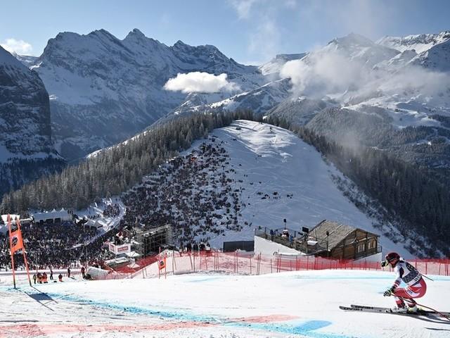 Lo stop allo sci diventa una valanga di dissenso