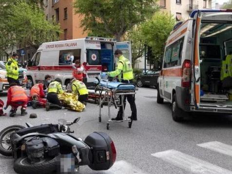 Trieste, il ferito in largo Mioni è ancora in prognosi riservata. Ecco la dinamica del grave incidente