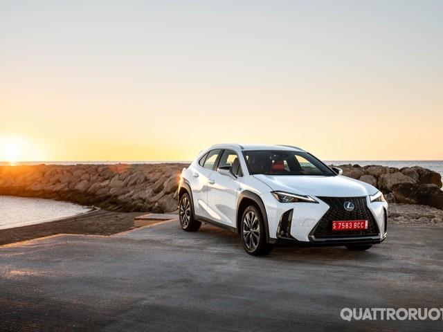 Lexus - Al volante della UX 250h