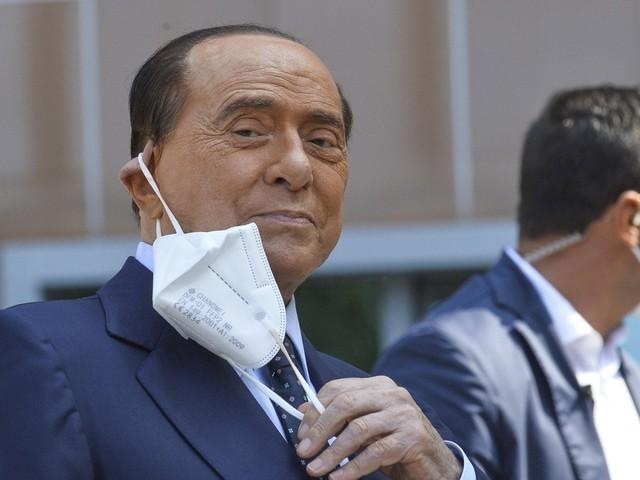 Berlusconi presidente? No pasaràn. L'autunno italiano delle facce rifatte