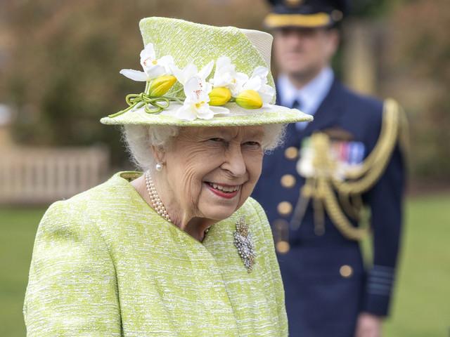 La regina Elisabetta e Carlo si incontravano solo 15 minuti di sera