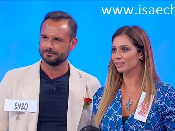 'Trono over', prima vacanza d'amore a Dubai per Pamela Barretta ed Enzo Capo (Video)