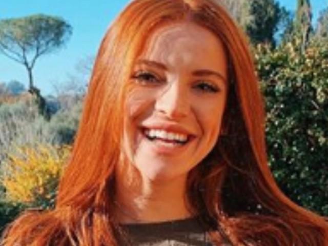 Ludovica Bizzaglia, la maglia è troppo trasparente: sotto spunta un dettaglio 'clamoroso', Instagram s'infiamma