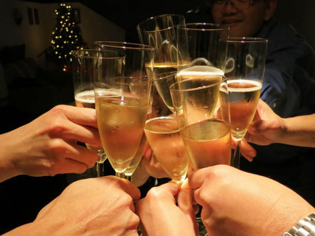 Coldiretti: Natale e Capodanno con record brindisi di spumante italiano nel mondo