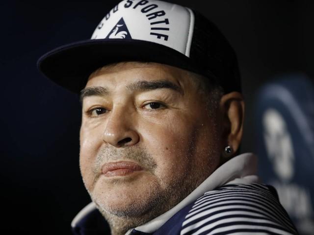 """""""Così gli è esploso il cuore..."""". Il racconto choc sulla morte di Maradona"""
