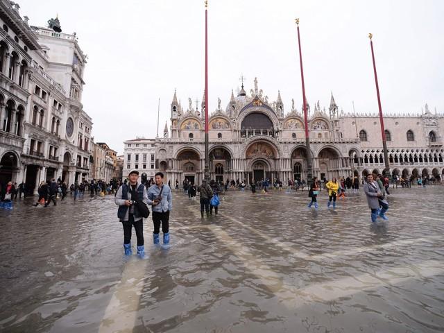 Venezia, mutui sospesi per un anno
