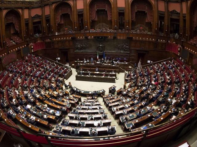 Caccia di voti per il Conte Ter: lunedì la fiducia alla Camera, martedì al Senato dove le incertezze sono più profonde