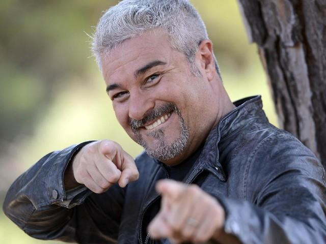 """Pino Insegno felice per il quarto figlio: """"Tv? Non mi piace guardarmi indietro con rimpianto"""""""