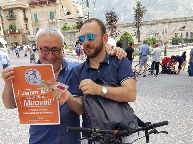 """L'associazione """"Jamm mo"""" scende in piazza a Sulmona per rilanciare i territori della Valle Peligna"""