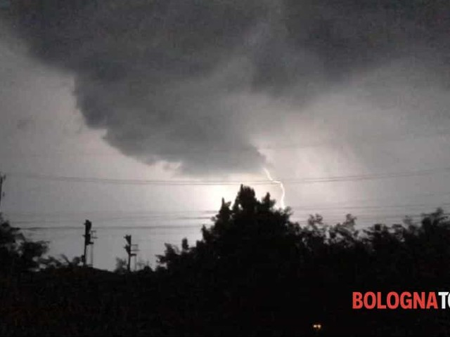 Nuova allerta meteo, dopo il caldo arrivano i temporali