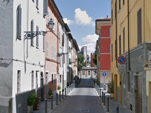 Parma, fermato per un controllo, nigeriano aggredisce i carabinieri