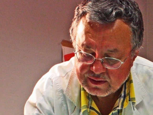 """Macerata, l'artista Carlo Iacomucci presenta il suo libro """"La mano ribelle"""""""