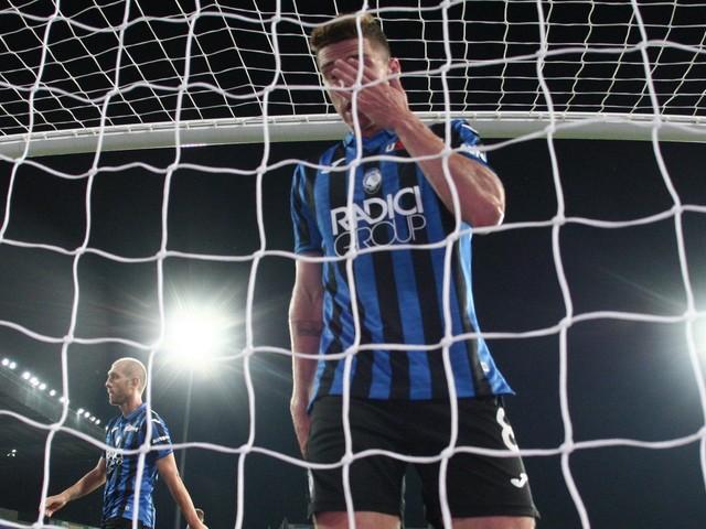 Cinque gol da Spal e Torino, la difesa non va. Benvenuto Kjaer (ma non basta)