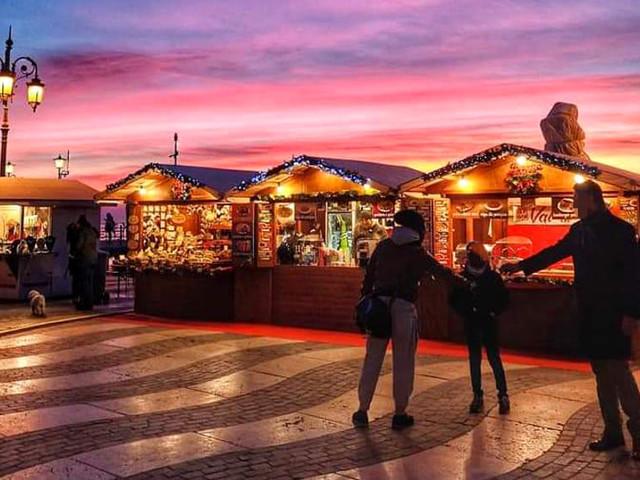 Colori, suoni e sapori natalizi a Lazise per lo splendido Mercatino di Natale