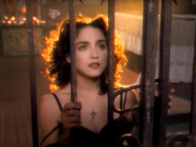 """I 30 anni di """"Like a Prayer"""", il disco che ha consacrato Madonna"""