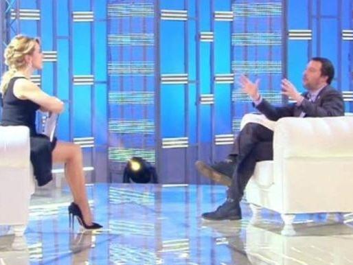 Barbara d'Urso, scontro con Matteo Salvini per difendere l'omosessualità