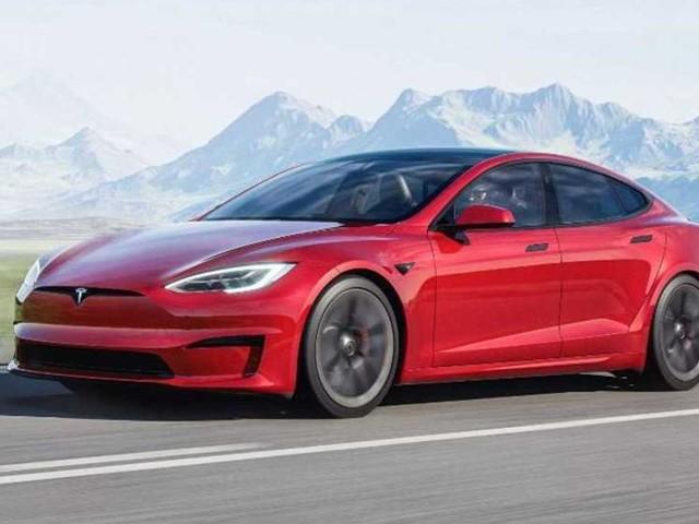 La Tesla Model S Plaid è (forse) la più veloce nei 400 metri