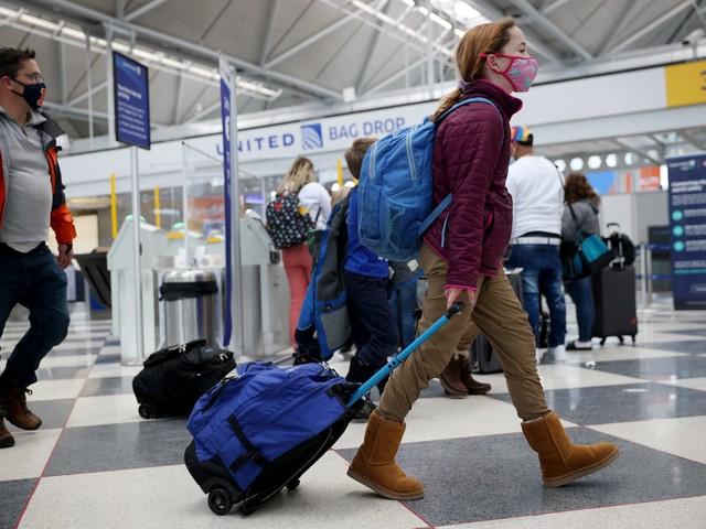 Stop alla quarantena per chi viaggia: come potrebbero cambiare le regole per i turisti in Italia