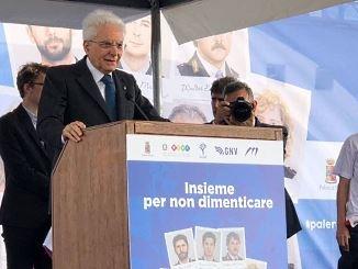 Nave della legalità in viaggio verso Palermo, anche pugliesi fra i mille studenti a bordo Il saluto del presidente della Repubblica alla partenza di Civitavecchia