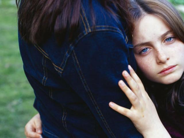 """I """"genitori elicottero"""" potrebbero essere i responsabili dei problemi di salute mentale dei nostri figli"""