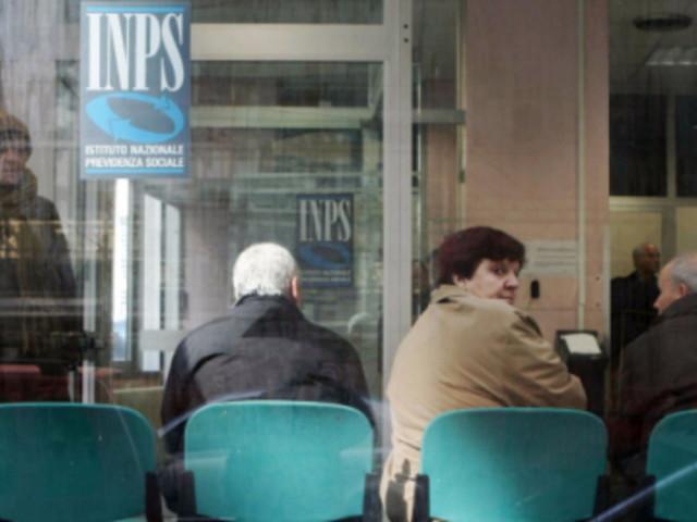 Ocse: in Italia troppa spesa per pensioni e servizio del debito, penalizzati i giovani