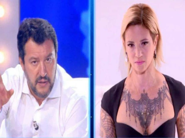 Matteo Salvini e Asia Argento: è successo tutto dietro le quinte, video