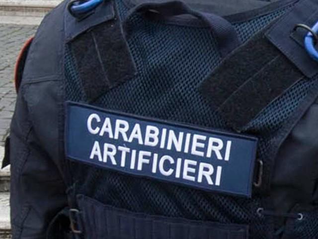 Ordigno artigianale sull'auto del dirigente Marco Doria: aveva denunciato alcune occupazioni abusive a Roma