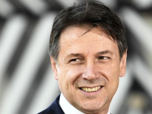 """Conte agli elettori del M5S prima del voto su Rousseau: """"Non tenete sogni nel cassetto"""""""