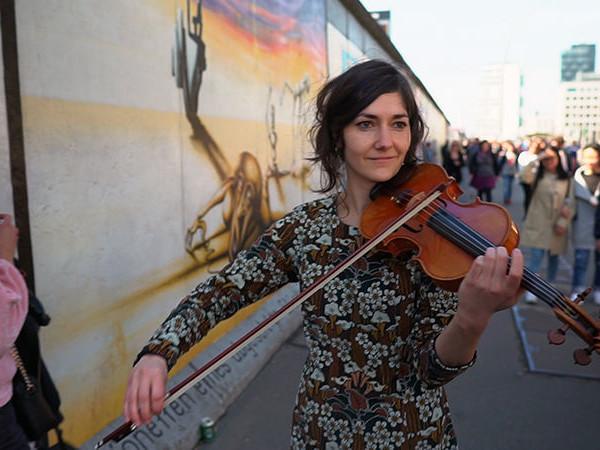 Su Tv2000 speciale anniversario della caduta del Muro di Berlino