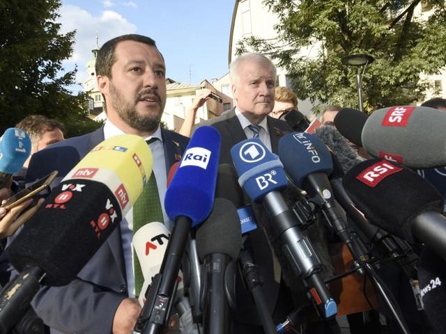 """Ora la Germania sfida Salvini: """"Cambiate linea e aprite i porti"""""""