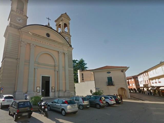 Metro e nastro biadesivo per rubare le offerte in chiesa: arrestati ladri stranieri