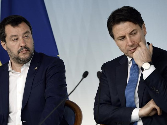 """Open Arms, Salvini a Conte: """"Sbarco minori? Lo farò. Ma è una tua scelta"""""""