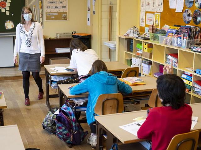 Green Pass per i docenti, mascherine e distanziamento facoltativo: le ipotesi per il ritorno in classe di settembre