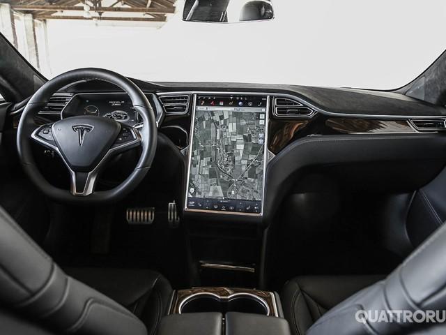 Tesla - La Intel potrebbe fornire anche l'infotainment