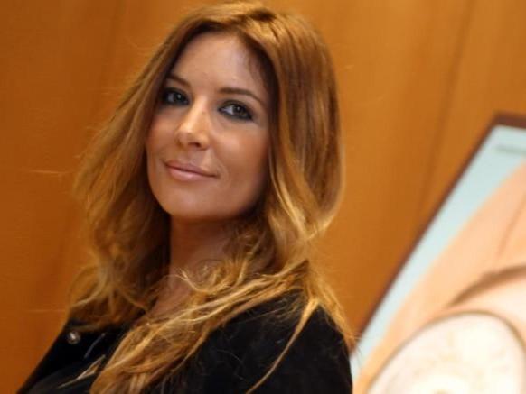 Grande Fratello, Nina Moric fa la vittima di cyberbullismo: Selvaggia Lucarelli la smonta