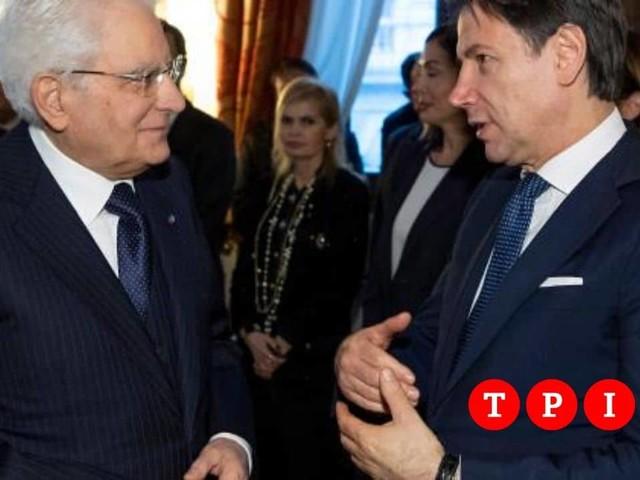 """Mattarella frena sulla crisi di governo: """"Prima si vota il referendum"""""""
