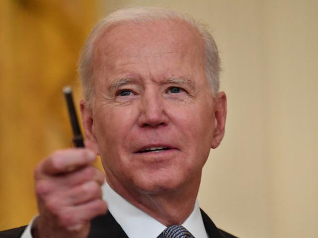 """Biden chiama Xi: """"Evitare conflitti"""". Prima telefonata dopo sette mesi"""