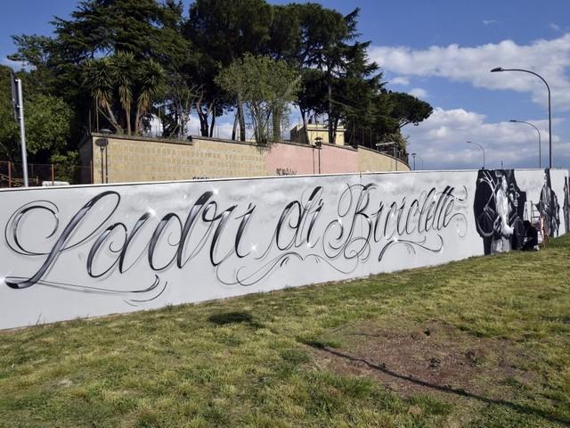 Roma, metro B: riapre il Parco Ionio con i murales ispirati a Ladri di bicicletta