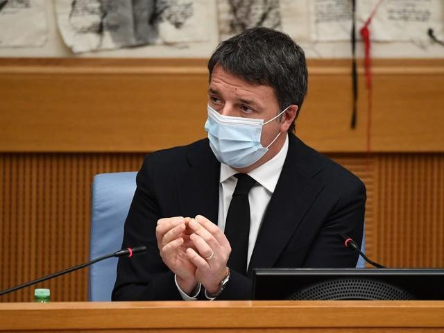 Renzi, il suonatore resta senza orchestra
