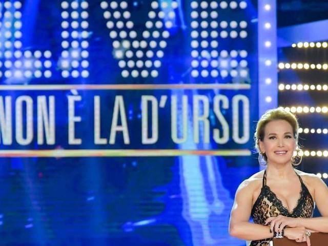 Live Non è la d'Urso, ospiti puntata: Asia Argento e Alba Parietti affrontano le sfere