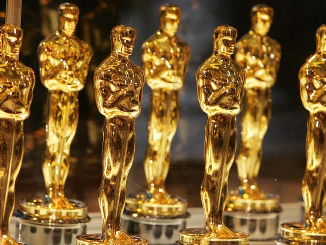 Parte il conto alla rovescia per gli Oscar: l'Italia aspetta la Pausini