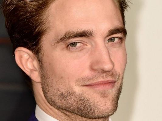 Batman, Robert Pattinson dice che il costume sarà davvero bello - Notizia
